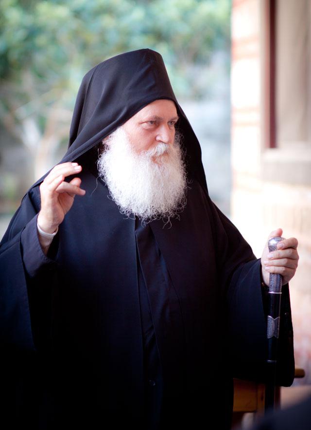 отец Ефрем, арестованный в Греции по ложным обвинениям