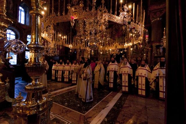 братия Ватопеда, всенощная праздничная служба