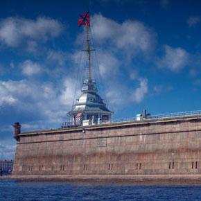 Петербургские депутаты просят МИД РФ поддержать греческого игумена Ефрема