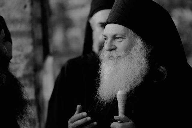 отец Ефрем, арестованный в Греции по ложным обвинениям содержится в тюрьме Коридаллос в Афонах