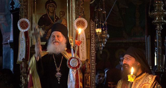 Архимандрит Ефрем на праздничной литургии