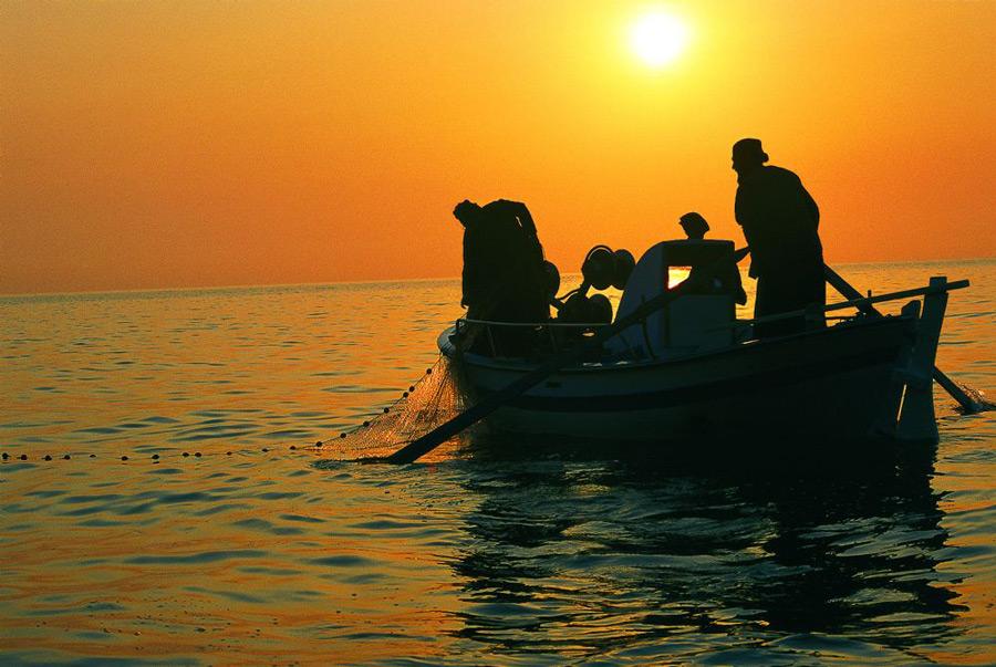 Афонские монахи на рыбалке