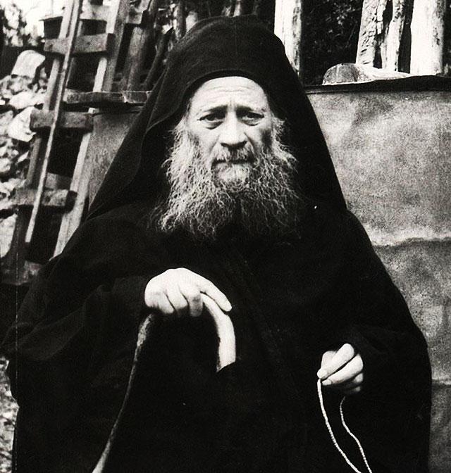 Иосиф Исихаст, Пещерник, Спилиот - старец Святой горы Афон
